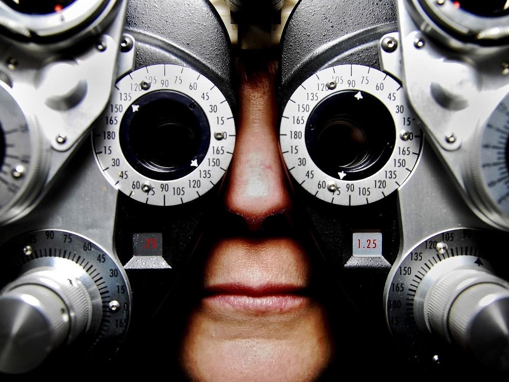 eyeglasses-679696_1920 (1)